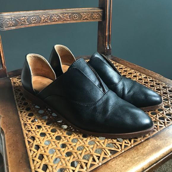 0bcc4216a Nisolo Emma d Orsay Oxford in black. M 5b03732c9d20f0804ab8f0cf